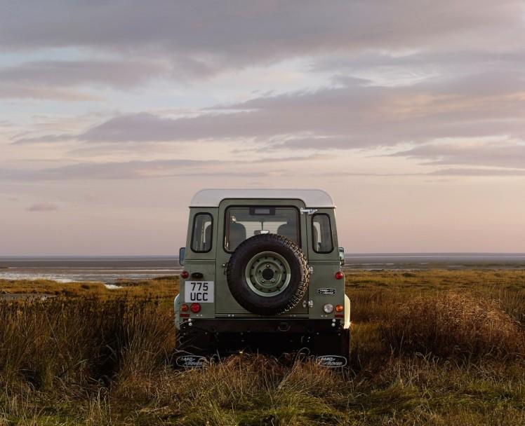 Land Rover Defender Heritage 10