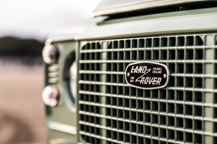 Land Rover Defender Heritage 3