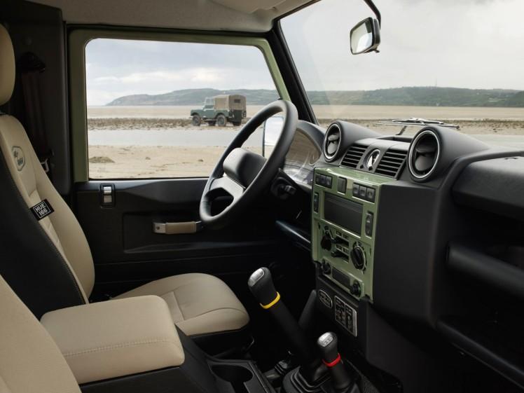 Land Rover Defender Heritage 7