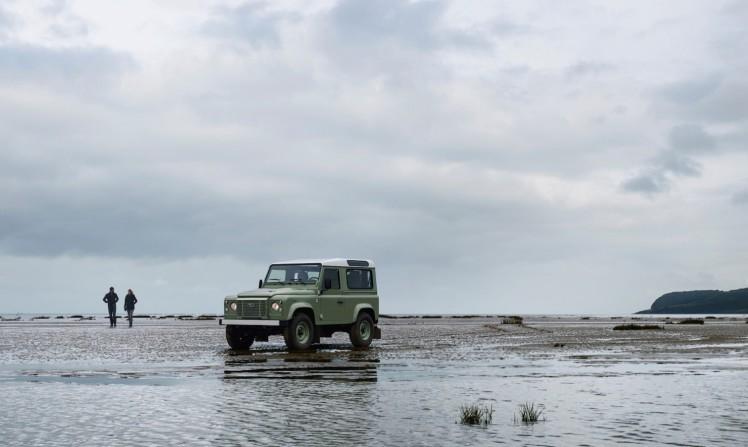 Land Rover Defender Heritage 8